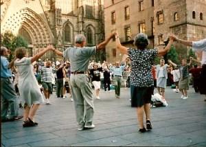 The Sardana, the national dance of Catalunya (credit: mylloret.com)