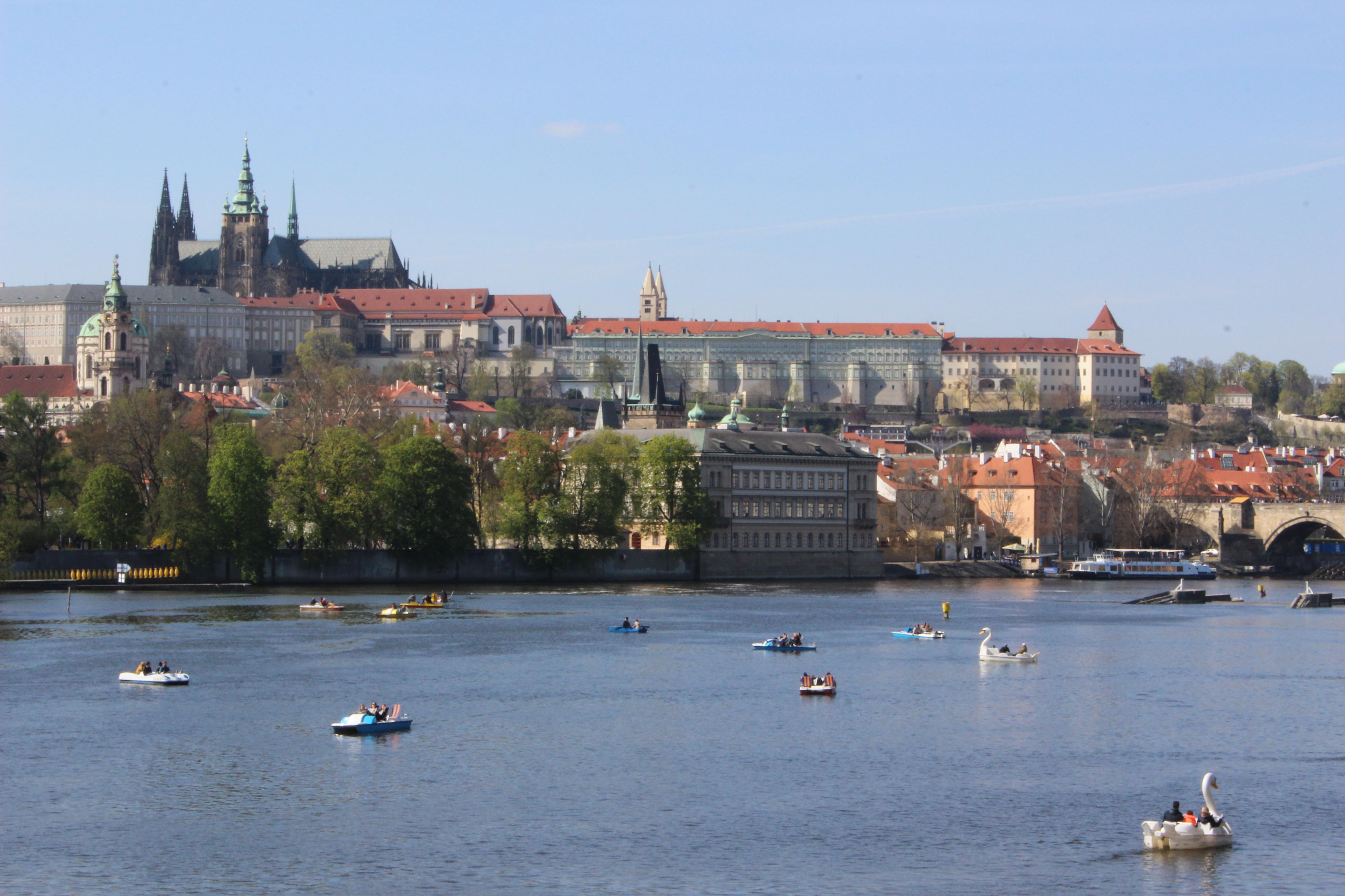 Boating_in_Prague